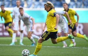 Гол Форсберга с пенальти помог Швеции обыграть Словакию