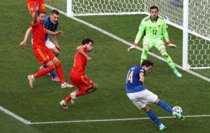 Италия выиграла группу А, минимально обыграв Уэльс