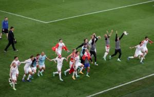 Сборная Дании — первая команда в истории, которая вышла из группы с двумя подряд поражениями