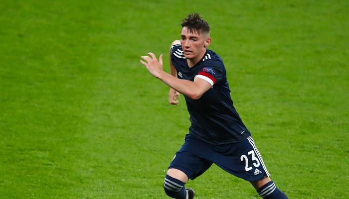 Полузащитник сборной Шотландии Гилмор пропустит матч с Хорватией из-за коронавируса