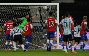 Обзор матча Аргентина — Чили (видео)
