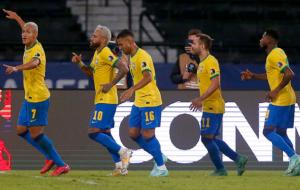 Бразилия не оставила шансов Перу, Колумбия поделила очки с Венесуэлой на Копа Америка