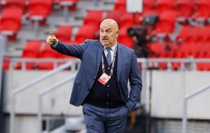 Черчесов продолжит работу со сборной России
