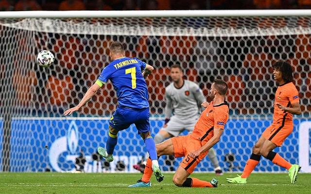 Нидерланды в концовке вырвали победу в матче против Украины