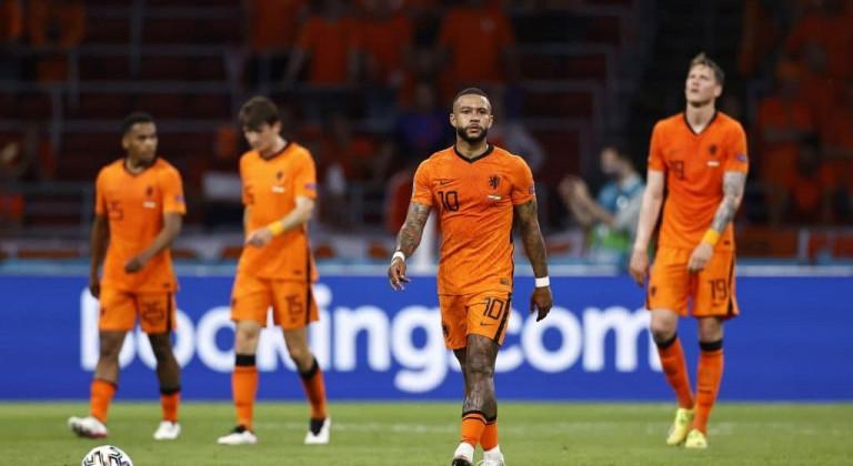 Вейналдум, Де Лигт и Депай – в стартовом составе сборной Нидерландов на матч против Австрии