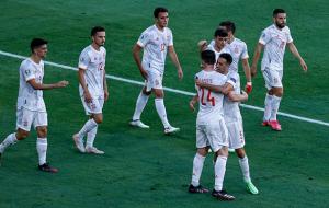 Испания уничтожила Словакию со счётом 5:0, попав в 1/8 финала на Хорватию