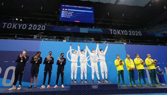 Сборная США стала победителем мужской эстафеты по плаванию на Олимпиаде в Токио