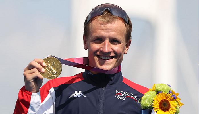 Блумменфельт стал победителем мужского триатлона на Олимпиаде в Токио