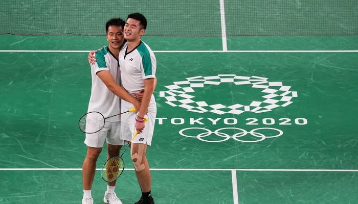Ли Ян и Ван Чи-Лин выиграли олимпийский турнир по бадминтону в парном разряде
