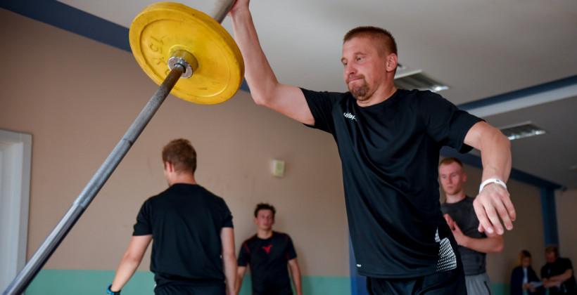 Максим Слыш: «Жлобинские ребята подали отличный пример. Играешь хорошо здесь и едешь в КХЛ»