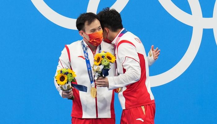 Сыи и Чжонгян выиграли золото в синхронных прыжках в трёхметрового трамплина