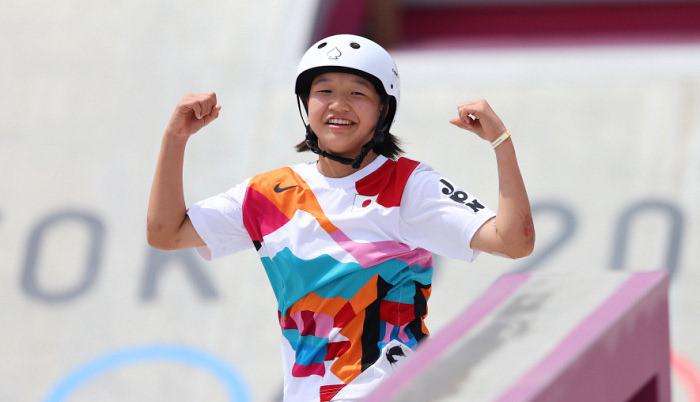 13-летняя японская скейтбордистка выиграла золото ОИ-2020
