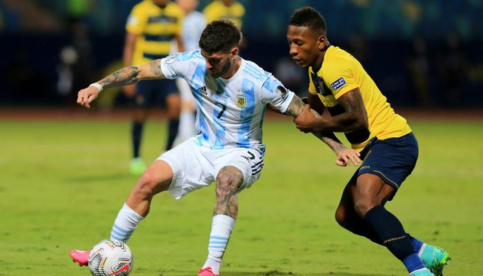 Аргентина разгромила Эквадор, Уругвай по пенальти уступил Колумбии в 1/4 Копа Америка