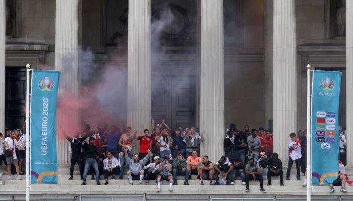 Фанаты сборной Англии в состоянии алкогольного опьянения напали на болельщиков Италии