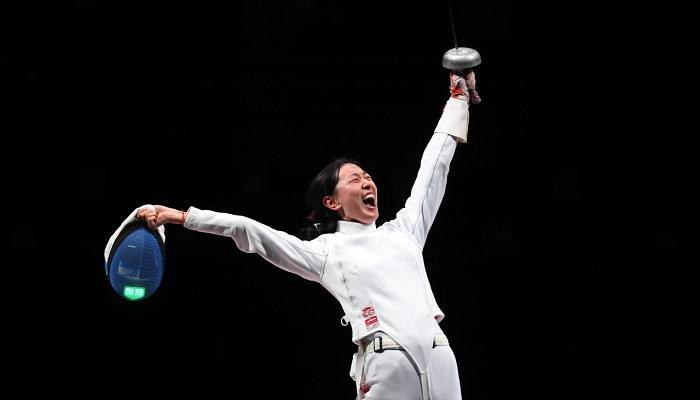 Шпажистка Сунь Ивэн завоевала третье для Китая золото на Олимпийских играх