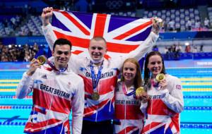Команда Великобритании завоевала золото в смешанной эстафете