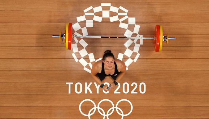 Тяжелоатлетка Мод Шаррон выиграла золото Олимпийских игр в категории до 64 кг