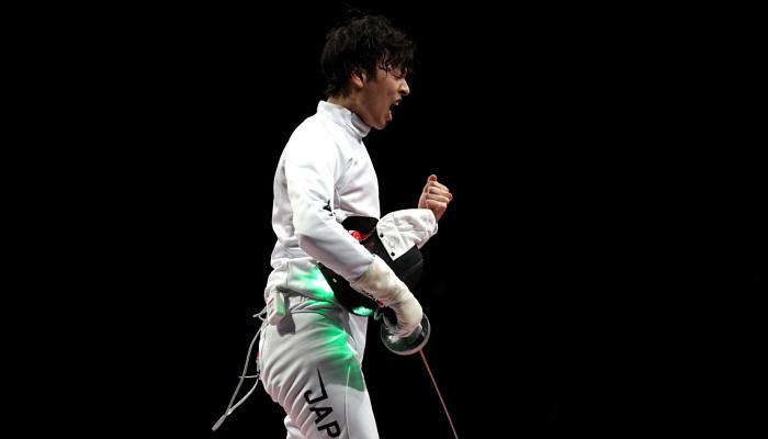 Мужская сборная Японии по фехтованию на шпагах выиграла золото Олимпийских игр