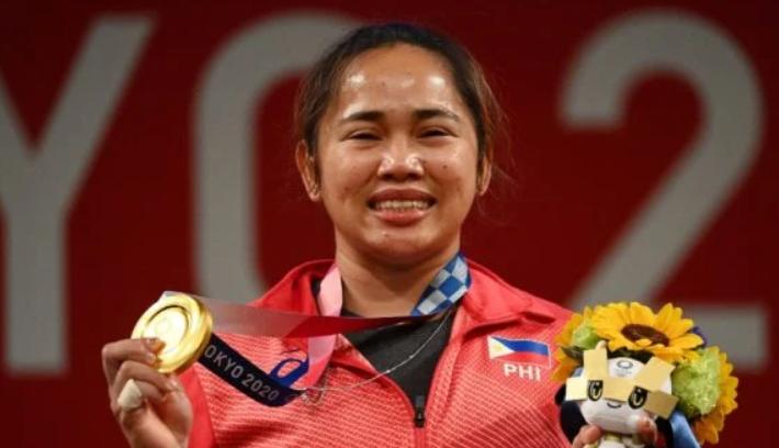 Хидилин Диас стала олимпийской чемпионкой по тяжелой атлетике