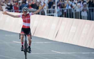 Анна Кизенхоф выиграла велошоссейную гонку на 137 километров