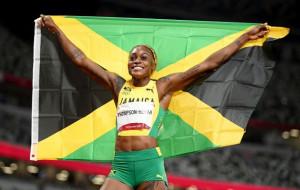 Элейн Томпсон с олимпийским рекордом стала олимпийской чемпионкой в забеге на 100 метров