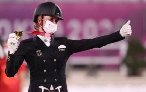 Джессика фон Бредов-Верндль стала олимпийской чемпионкой в выездке