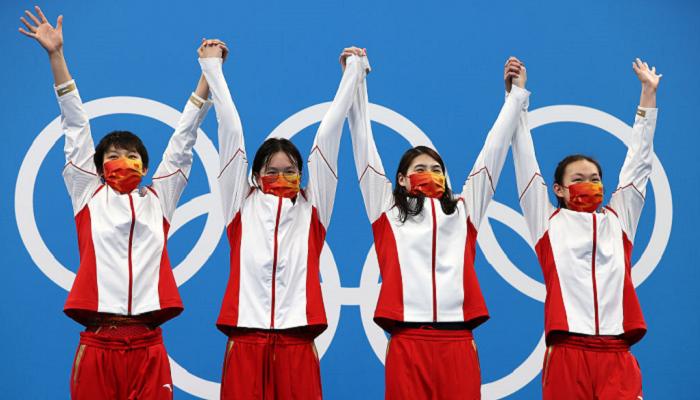Сборная Китая по плаванию выиграла олимпийскую эстафету 4×200 вольным стилем
