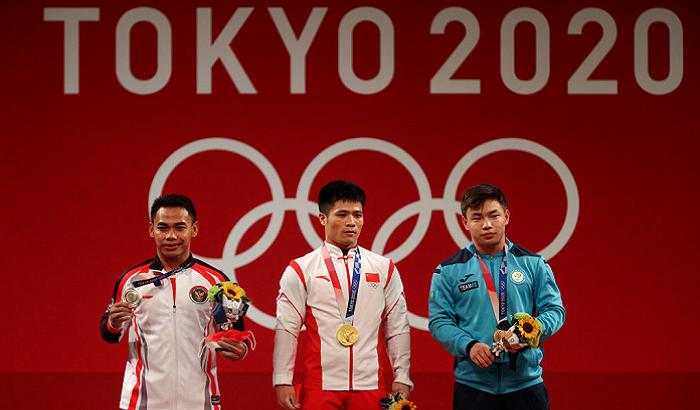 Фабин Ли завоевал золото в соревнованиях по тяжелой атлетике