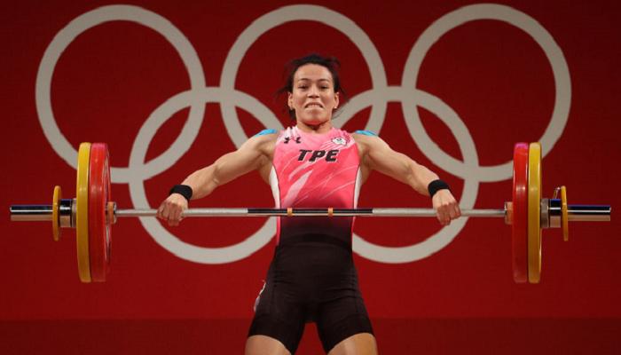 Куо Син-Чжунь выиграла золото на соревнованиях по тяжёлой атлетике в категории до 59 кг