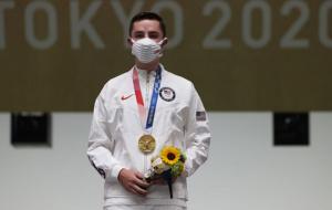 Уильям Шэйнер выиграл золото в стрельбе из пневматической винтовки на 10 метров
