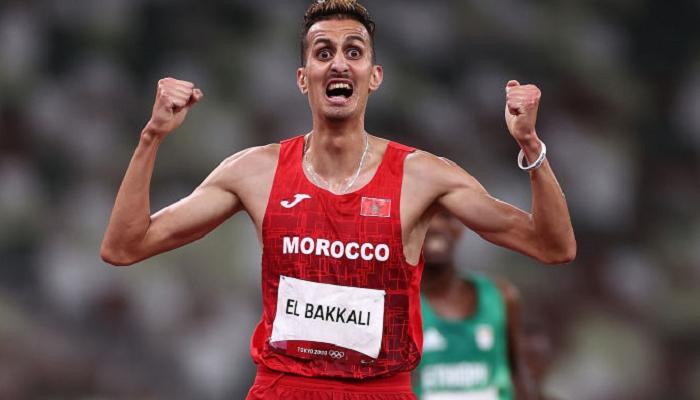 Марокканец Эльбаккали стал победителем Олимпиады в забеге на 3000 метров с препятствиями