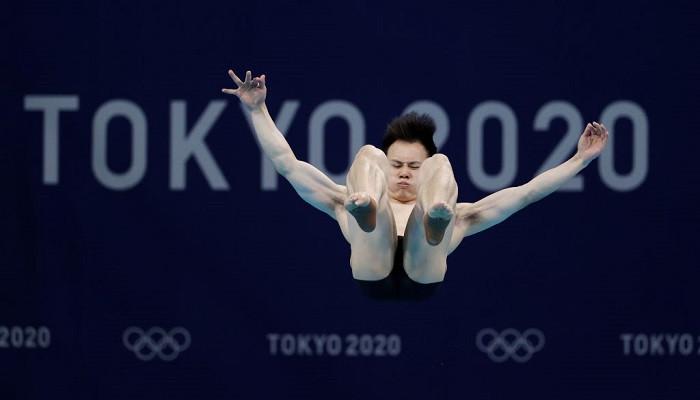 Китаец Се Сыи выиграл золото Олимпиады по прыжкам в воду с трамплина