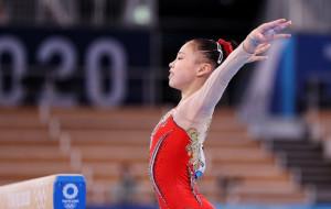 Китаянка Гуань Чэньчэнь стала победительницей Олимпиады в спортивной гимнастике на бревне