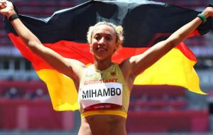 Михамбо выиграла золото Олимпиады в прыжках в длину