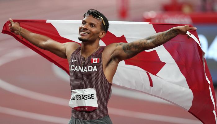 Андре де Грасс завоевал золото в беге на 200 метров