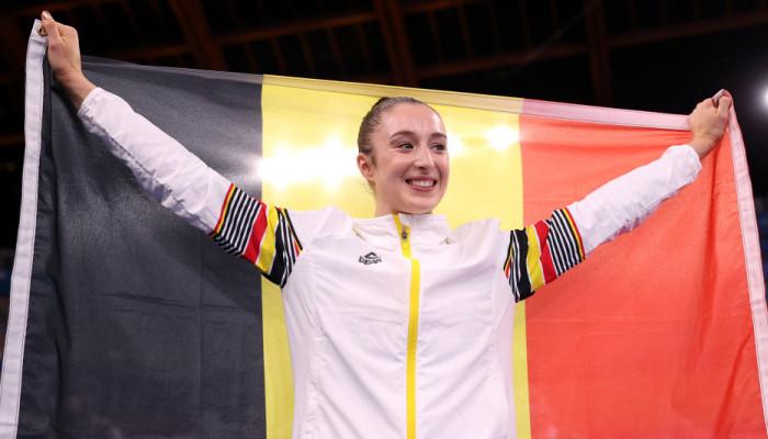 Нина Дерваль стала олимпийской чемпионкой в упражнениях на брусьях