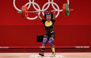 Баррера стала олимпийской чемпионкой по тяжёлой атлетике в весе до 76 кг