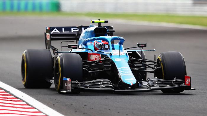 Эстебан Окон выиграл Гран-при Венгрии, квалифицировавшись с восьмого места