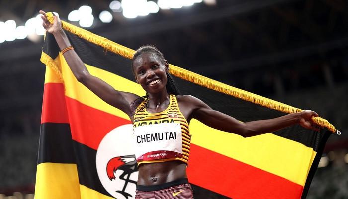 Угандийка Перут Чемутай завоевала золото Игр в беге с препятствиями