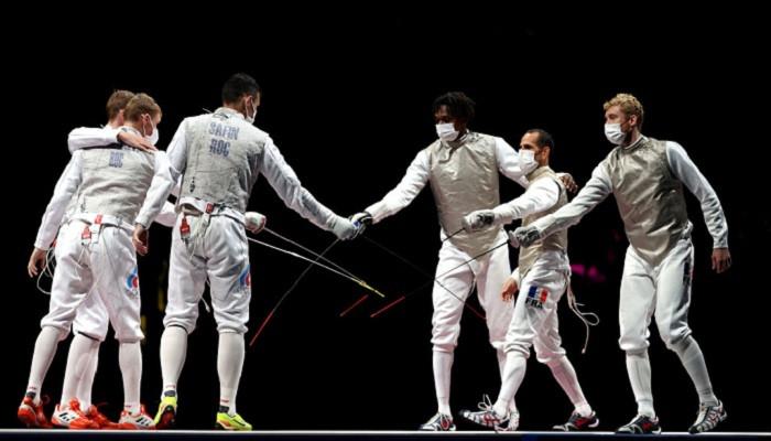Сборная Франции выиграла золотые медали в командном фехтовании на рапирах