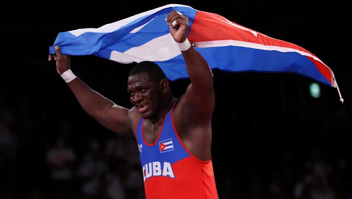 Михаин Лопес Нуньес завоевал золото в олимпийских соревнованиях борцов греко-римского стиля