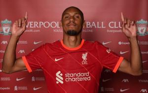 Фабиньо подписал новый долгосрочный контракт с Ливерпулем