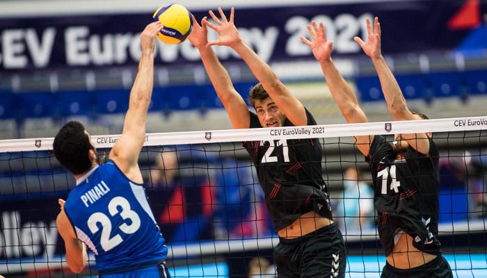 В финал чемпионата Европы по волейболу вышли сборные Словении и Италии