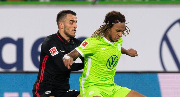 Айнтрахт не смог удержать победу в матче против Вольфсбурга
