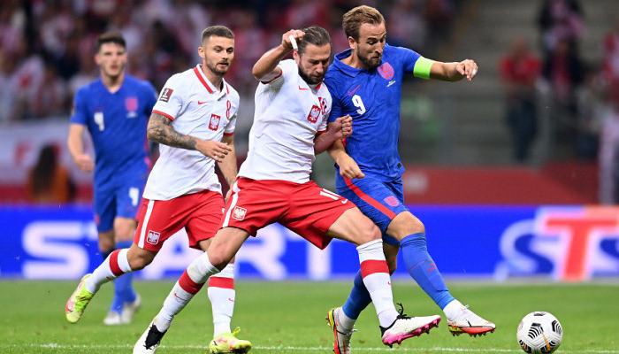 Англия в концовке матча упустила викторию над Польшей