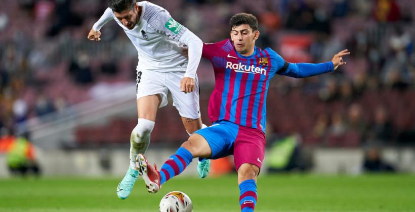 Барселона в концовке вырвала ничью в матче с Гранадой