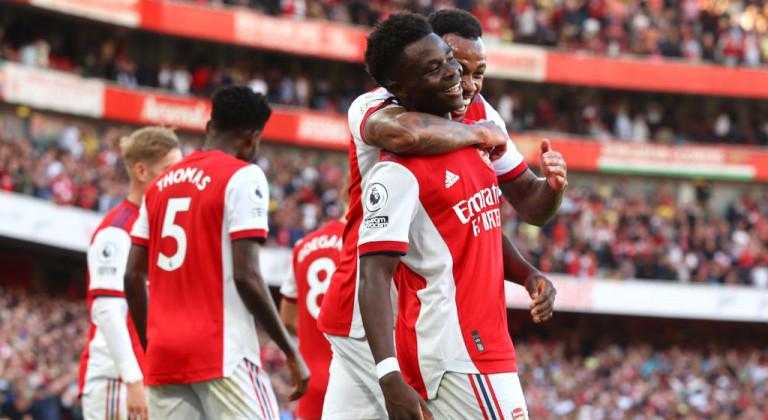 Арсенал тремя голами в первом тайме обеспечил победу над Тоттенхэмом в дерби северного Лондона