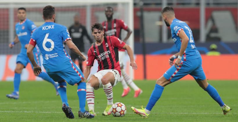 Милан в меньшинстве не удержал преимущество над Атлетико