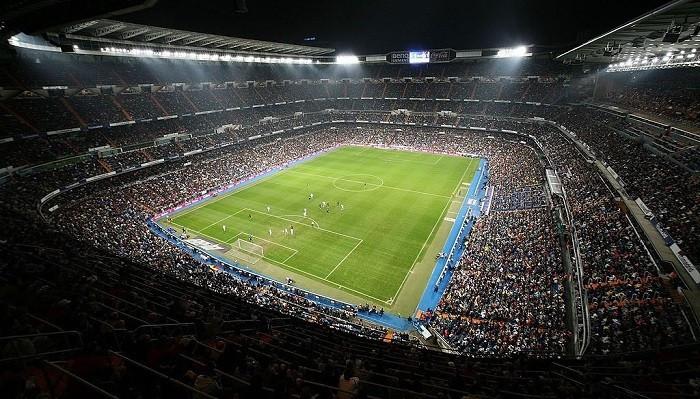 УЕФА снял запрет на посещение фанатами выездных матчей