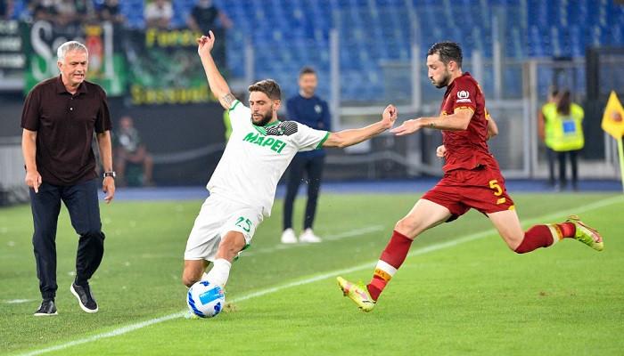 Рома в напряженном матче переиграла Сассуоло